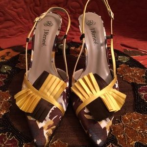 PRE-LOVED AUTHENTIC J. RENEE SAFFRON OCRE HEELS